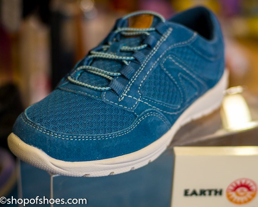 Earth spirit Ultra lightweight neutral grey suede leather casual leisure shoe available online or from our shop easily found between Basingstoke, Winchester Andover and Newbury.